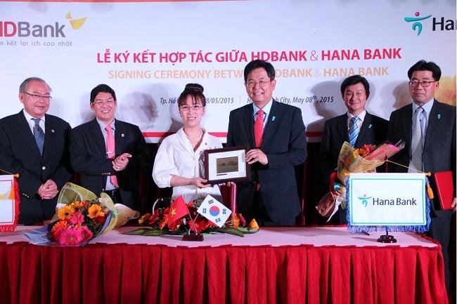 HDBank ký kết hợp tác với ngân hàng nước ngoài