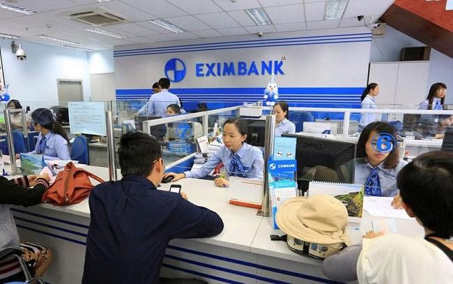Khách hàng đến Eximbank vay thế chấp