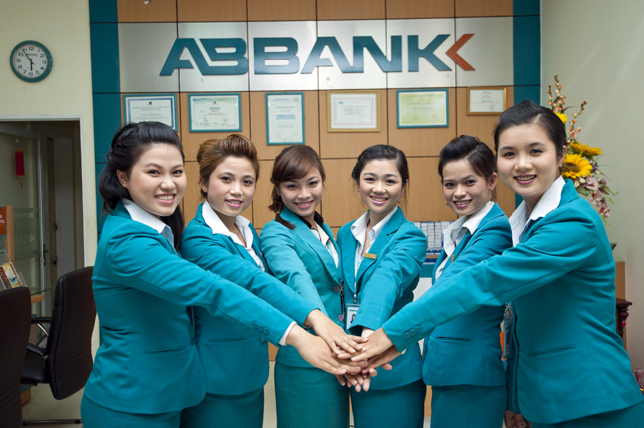 Ngân hàng ABBank cung cấp các loại dịch vụ tạo thuận lợi cho khách hàng