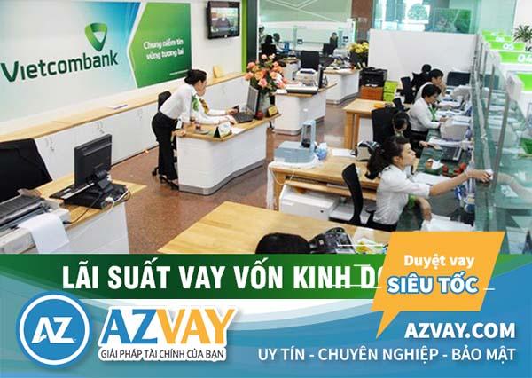 Vietcombank hỗ trợ khách hàng vay vốn kinh doanh.