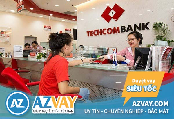 Khách hàng cần mang chứng minh ra quầy giao dịch ngân hàng để làm bản sao kê tài khoản