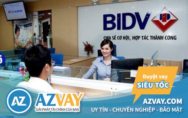 Nhiều ngân hàng hỗ trợ vay theo lương ở Quảng Ninh