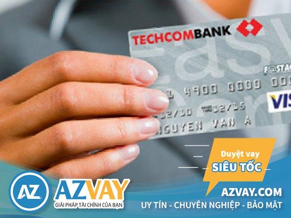 Ngân hàng Techcombank hỗ trợ khách hàng làm thẻ tín dụng online