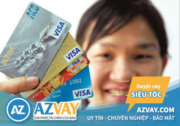 Khách hàng có thể làm thẻ tín dụng ACB trực tiếp tại quầy giao dịch ngân hàng