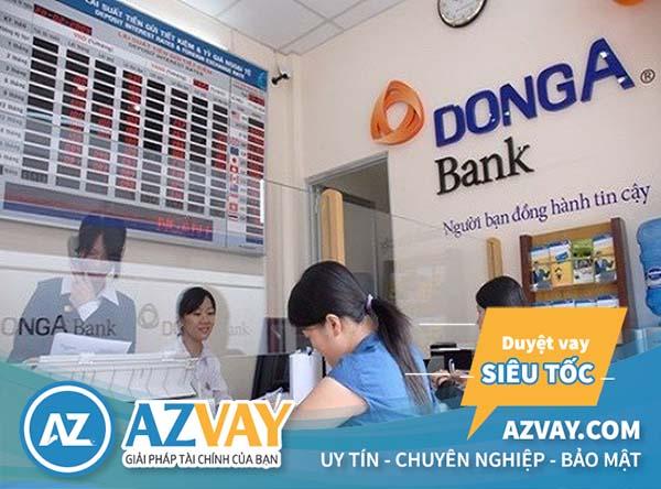 Khách hàng đăng ký mở thẻ tín dụng ngân hàng Đông Á