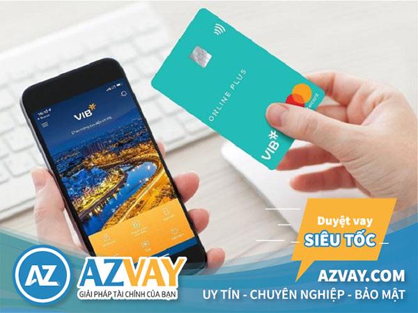 Khách hàng có thể mở thẻ online hoặc đến trực tiếp tại quầy