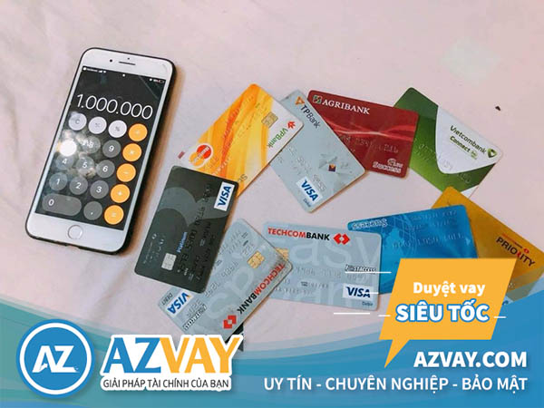 Chỉ nên làm thẻ tín dụng với số lượng phù hợp với nhu cầu chi tiêu và khả năng chi trả