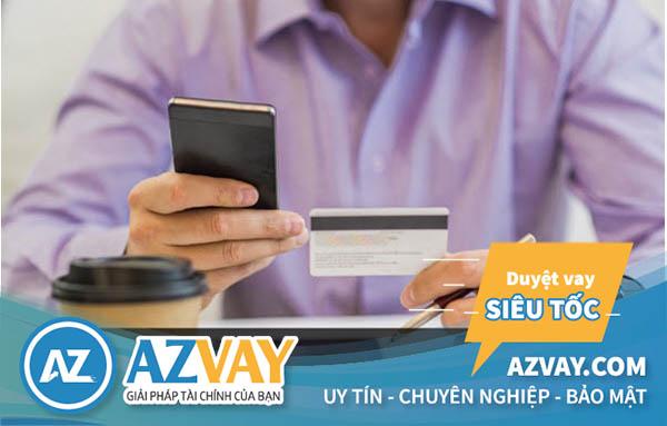 Khách hàng từ 18 tuổi có thể mở thẻ tín dụng trong nước và quốc tế