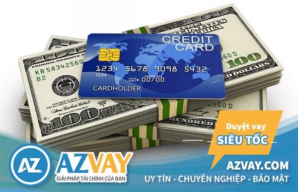 Các ngân hàng không khuyến khích khách hàng cà thẻ lấy tiền mặt