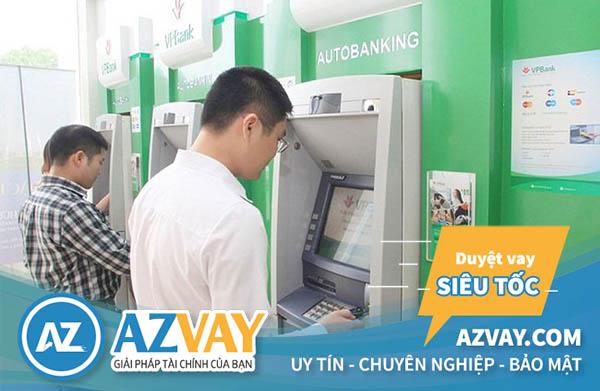 Khách hàng có thể rút tiền qua thẻ tín dụng VPBank tại ATM