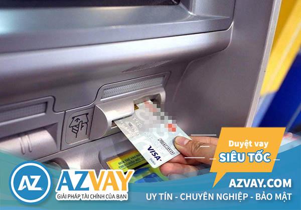 Rút tiền thẻ tín dụng ngân hàng HSBC tại cây ATM