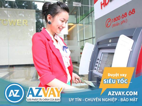 Khách hàng có thể rút tiền qua thẻ tín dụng HDBank tại ATM