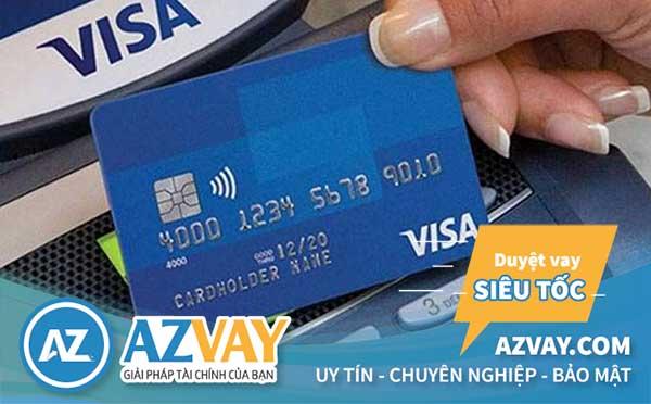 Rút tiền thẻ tín dụng khách hàng phải trả một khoản phí